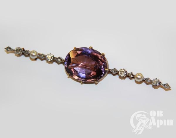 Брошь с аметистом и бриллиантами