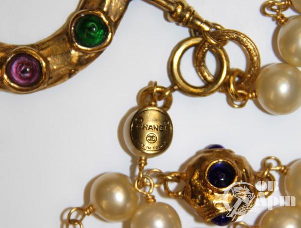 Бусы Chanel с жемчужными и цветными вставками Gripoix и подвеской
