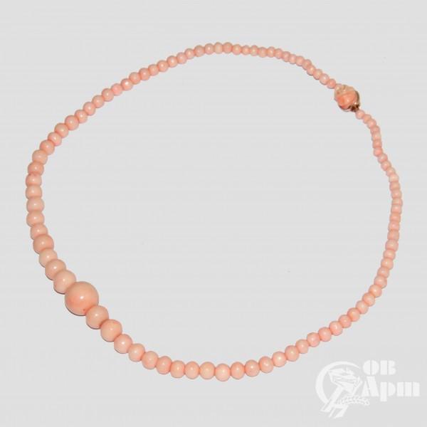 Бусы из розовых кораллов