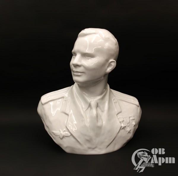"""Бюст """"Ю.А. Гагарин"""""""