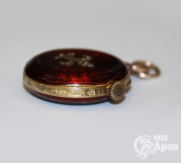 Часы-кулон с эмалью