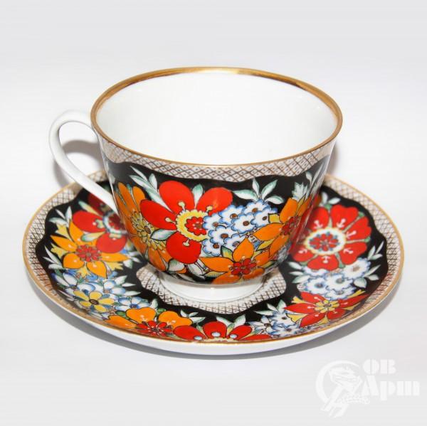"""Чайная пара """"Красно-оранжевые цветы на чёрном фоне"""""""