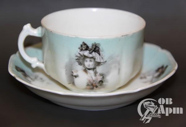 Чайная пара с женским портретом ФЗ Гарднера