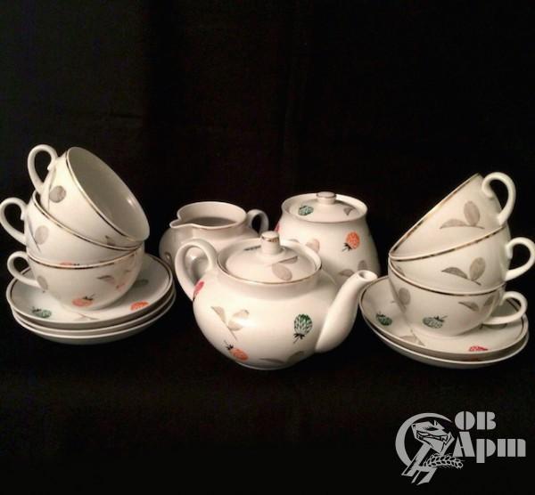 Чайный сервиз на шесть персон, 15 предметов