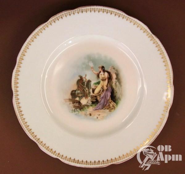 Декоративная тарелка с античным сюжетом