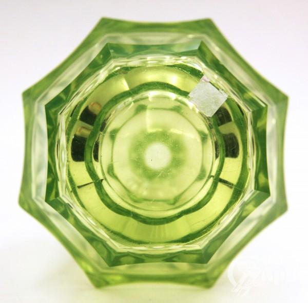 Графин уранового стекла