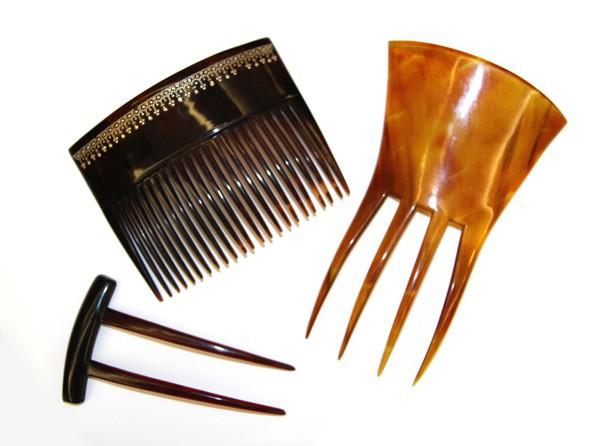 Гребни для волос и заколка