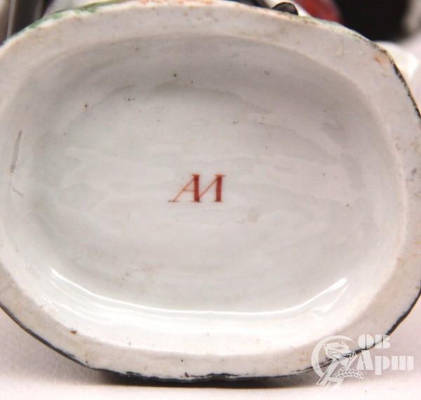 Карандашница в виде скульптуры Завод А.М. Миклашевского