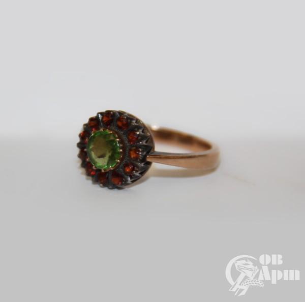 """Кольцо """"Малинка"""" со стеклом и гранатами"""