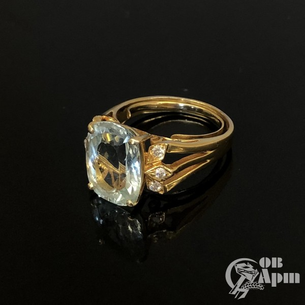Кольцо с аквамарином и бриллиантами