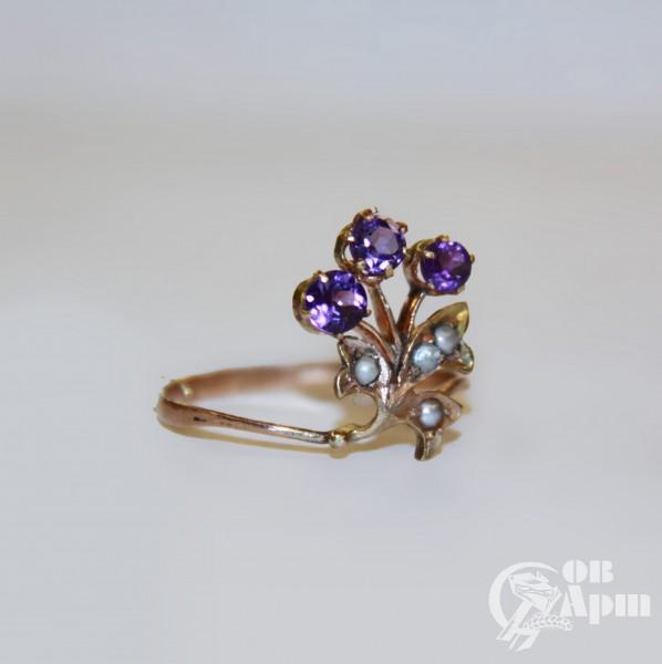 Кольцо с аметистами и жемчугом