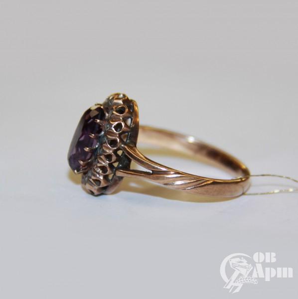 Кольцо с аметистом и алмазами