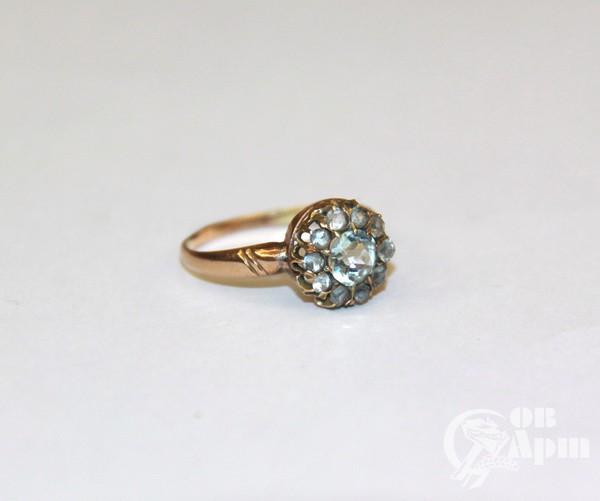 Кольцо с бериллом и топазами