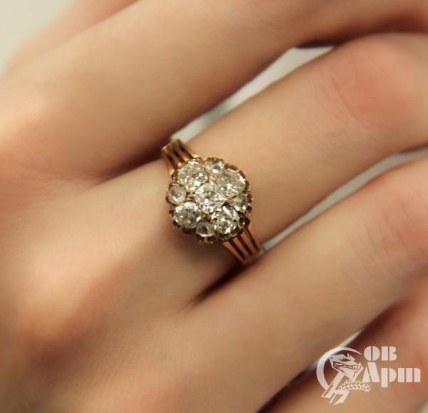 Кольцо с бриллиантами и алмазами