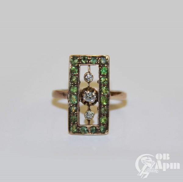 Кольцо с бриллиантами и демантоидами