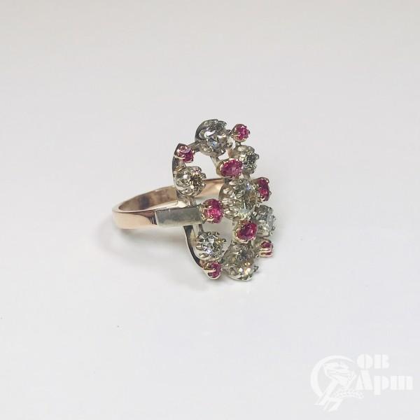Кольцо с бриллиантами и природными  рубинами