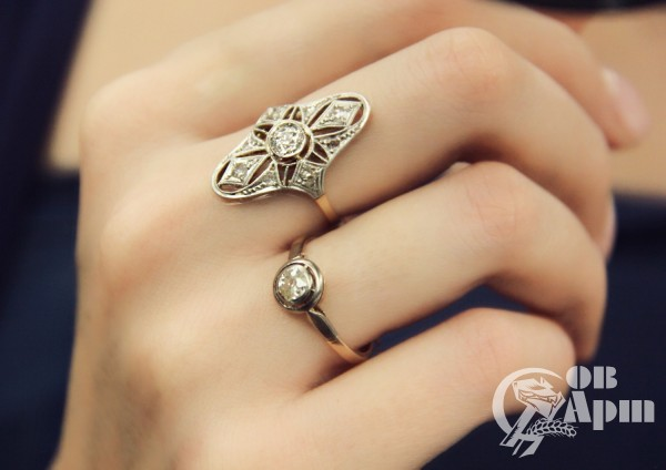 Кольцо с бриллиантами в стиле Ар Деко