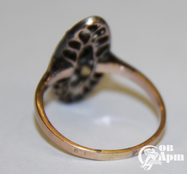 Кольцо с бриллиантами в стиле модерн