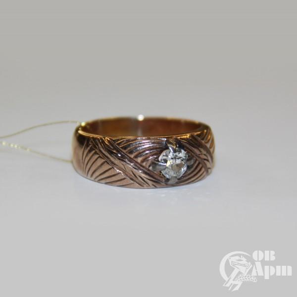 Кольцо с бриллиантом с растительным орнаментом