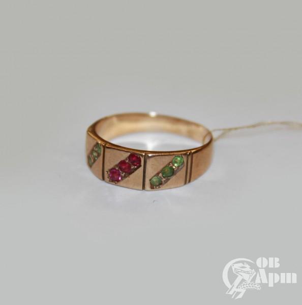 Кольцо с демантоидами и выращенными рубинами