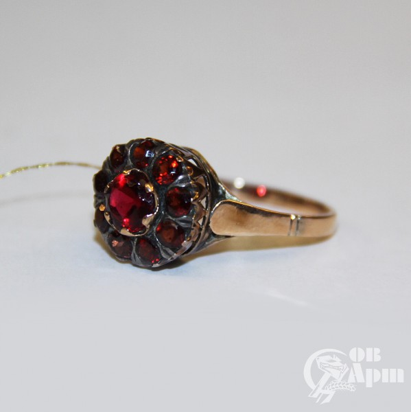 "Кольцо ""Малинка"" с гранатами"
