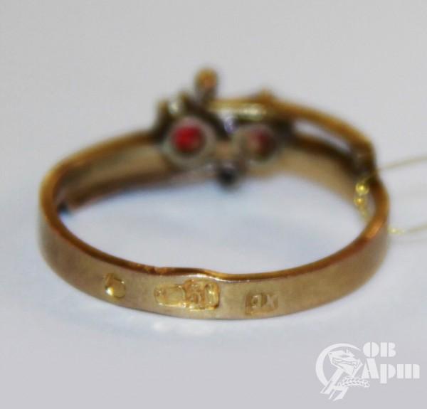 Кольцо с красным стеклом