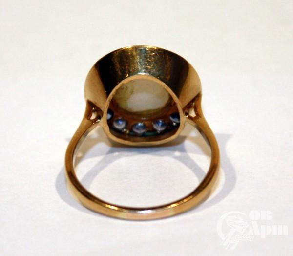 Кольцо с опалом и сапфирами