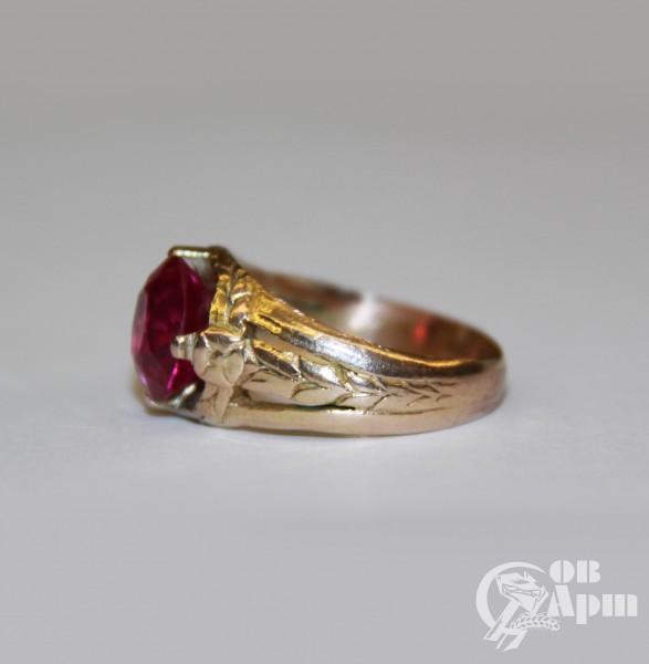 Кольцо с рубином выращенным