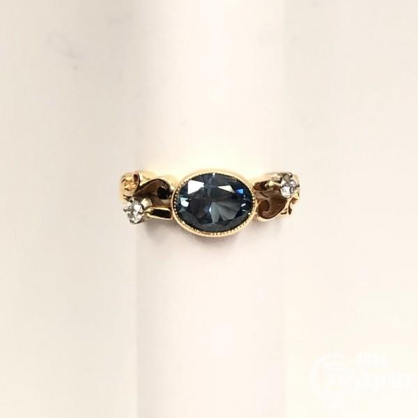 Кольцо с сапфиром и бриллиантами