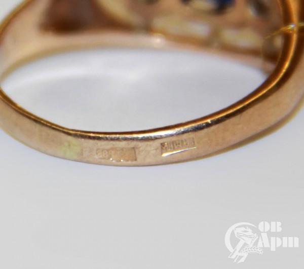 Кольцо с сапфиром и фианитами