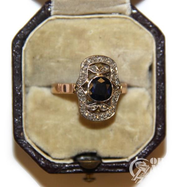 Кольцо в стиле ар деко с сапфиром и алмазами