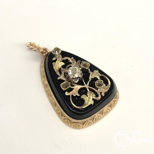 Комплект - серьги, кольцо, подвеска с бриллиантами и алмазами