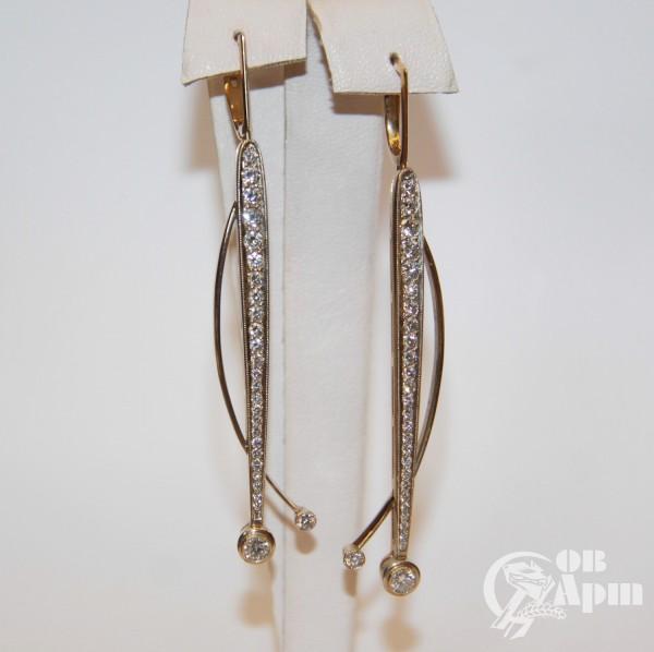 Комплект: брошь и серьги с бриллиантами