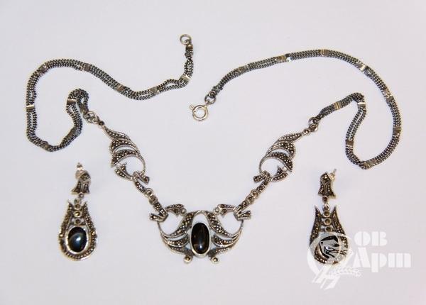 Комплект серебряный с ониксом и алмазной гранью