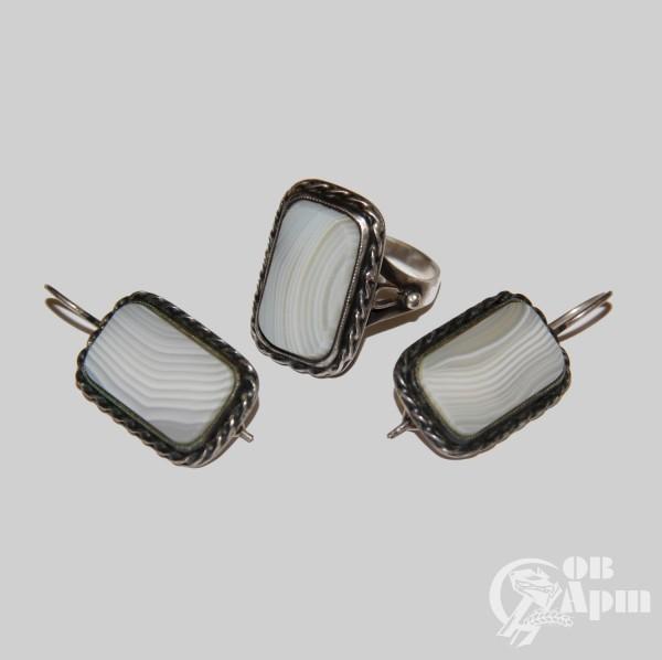 Комплект: серьги и кольцо с агатом