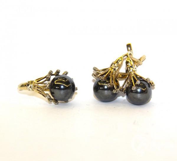 Комплект: серьги и кольцо с гематитом и и бриллиантами