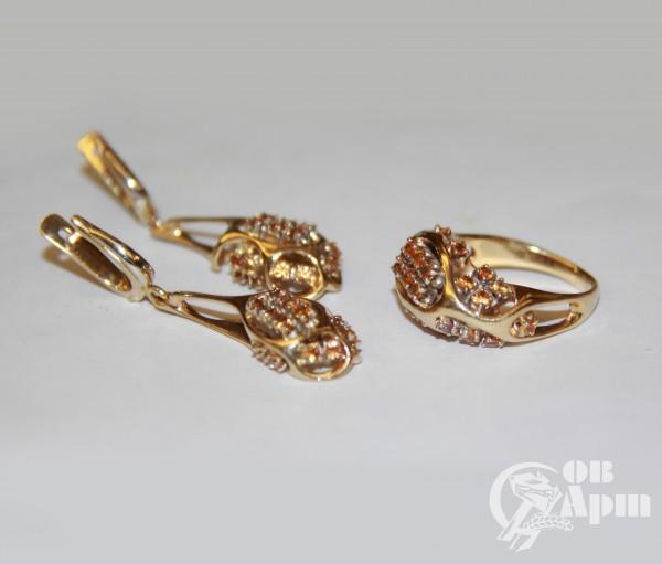 Комплект (серьги и кольцо) с желтыми сапфирами