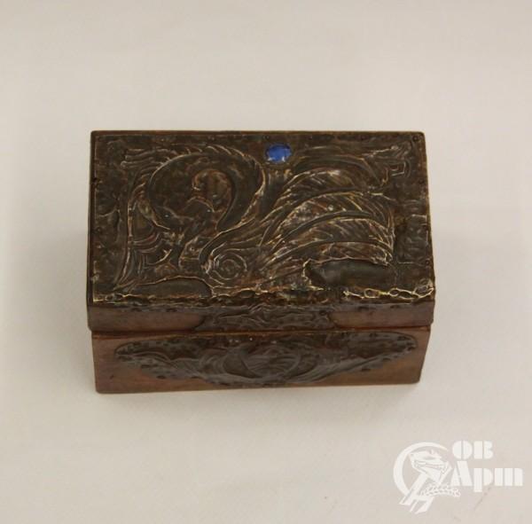 Коробка для игральных картс басмой