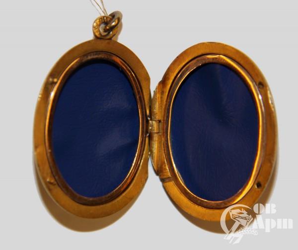 Медальон на две фотографии