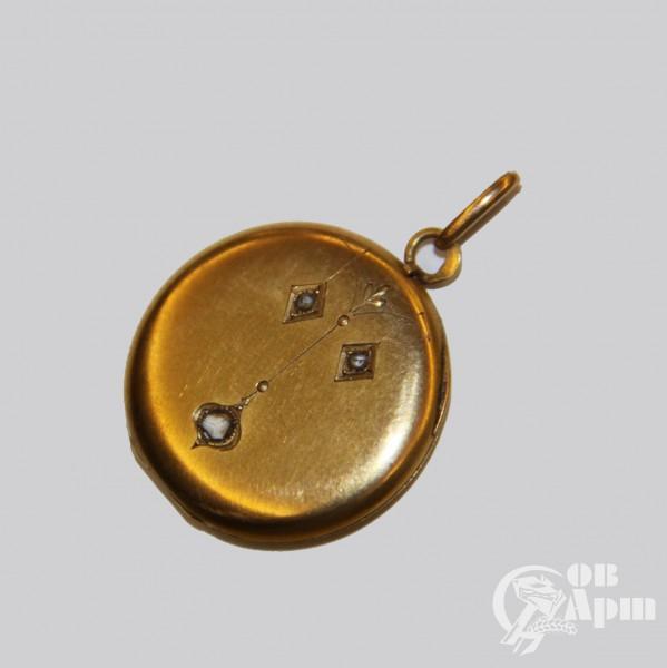 Медальон с алмазами