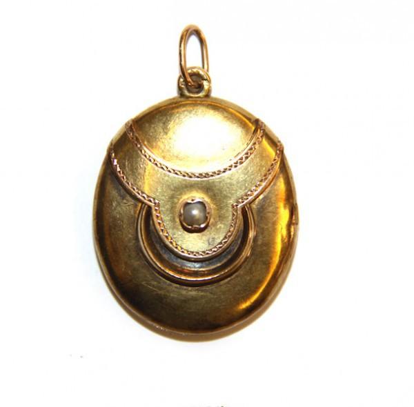 Медальон с жемчугом