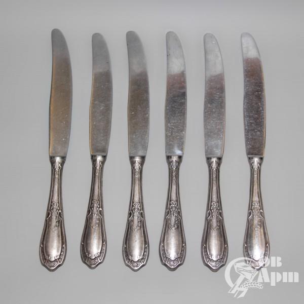 Набор столовых ножей