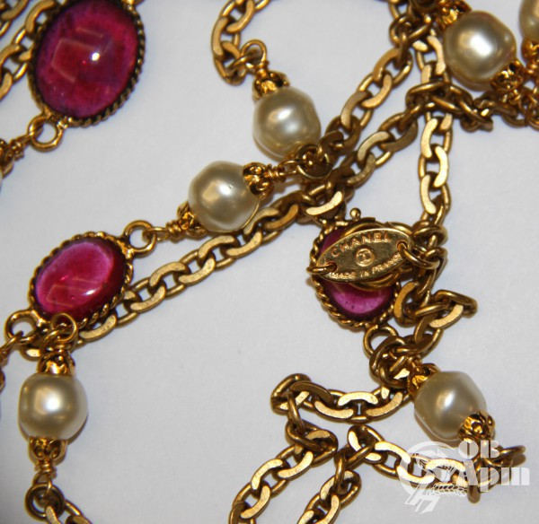Нить CHANEL с жемчужными и розовыми вставками Gripoix