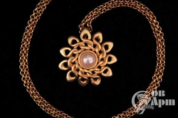 Ожерелье Valentino