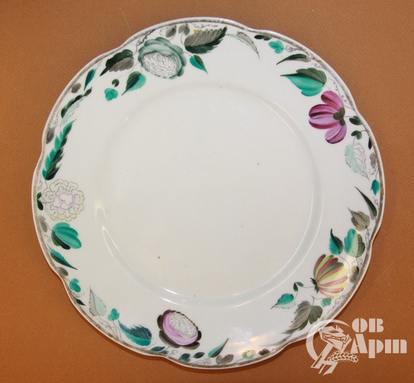 Парные декоративные тарелки