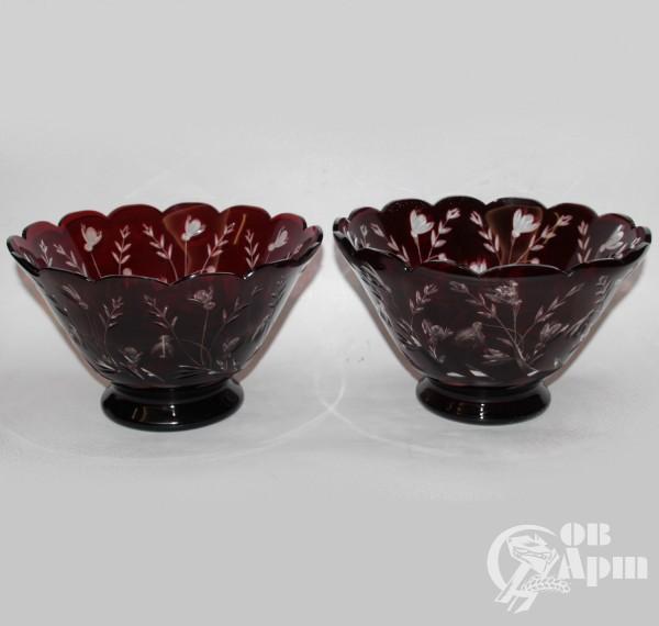 Парные вазы рубинового стекла