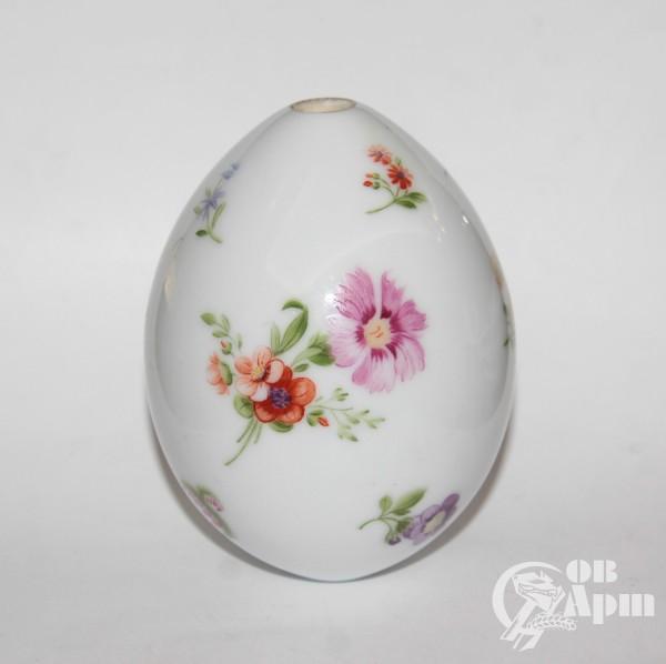 Пасхальное яйцо с изображением цветов