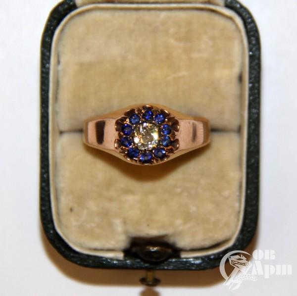Перстень с бриллиантом и синей шпинелью