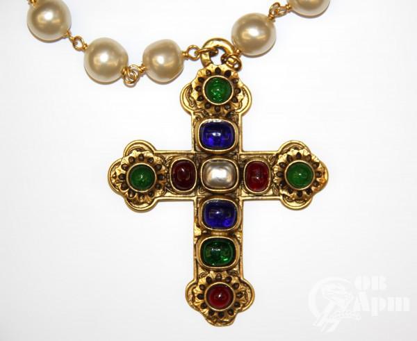 """Подвеска CHANEL """"Крест"""" с жемчужным и цветным Gripoix"""