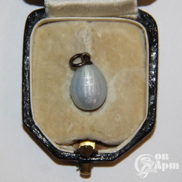 Подвеска  яйцо пасхальное с бледно-голубой эмалью